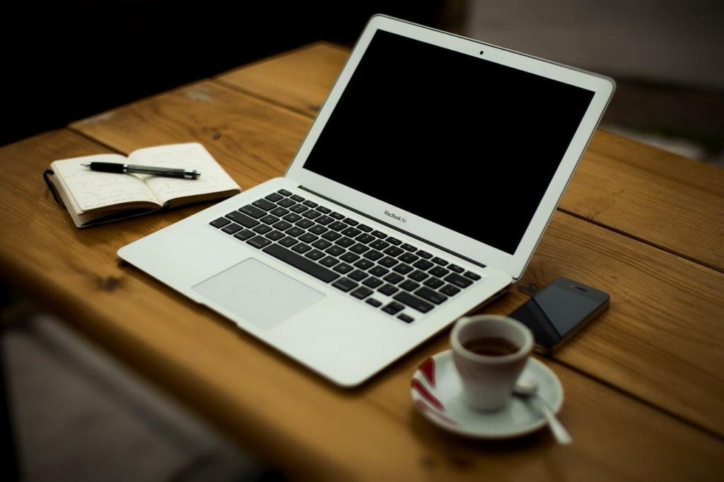 home office 336377 1280 1024x682 - PREP法とは?プレゼンや文章構成に使える具体的な例文をご紹介!