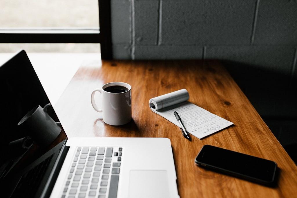 【パラグラフライテイング】書き方 - パラグラフライティングとは?論理的で伝わる文章の書き方5ステップを紹介